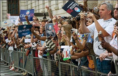 http://www.reobama.com/UK_CrowdsOusideHousesParliament_July_08.jpg
