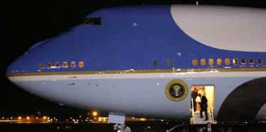 President Obama arrives at Andrews Air Force Base in Maryland after attending the Lincoln Bicentennial Banquet in Springfield.
