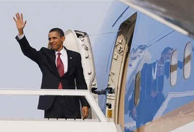 President Barack deparst Strasbourg, France for Prague, Czech Republic on Air Force One.