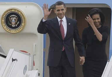 President Barack Obama and First Lady Michelle Obama arrive in Prague, Czech Republic on Air Force One.