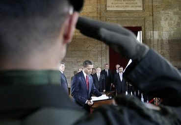 President Barack Obama signs the Memorial Book in the Anitkabir Mausoleum in Ankara, Turkey on April 6, 2009.