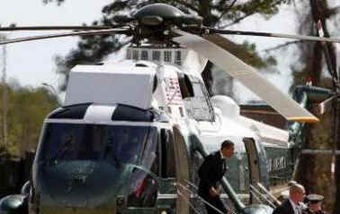 President Obama and Secretary of Defense Gates travel to Camp Lejeune, North Carolina via Marine One and Air Force One.