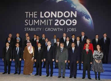 First G20 Summit group photo on the stage of the Excel Centre in London on April 2, 2009. Canadian PM Harper is missing in the first G20 group photo.