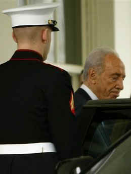 Israeli President Peres leaves the White House.
